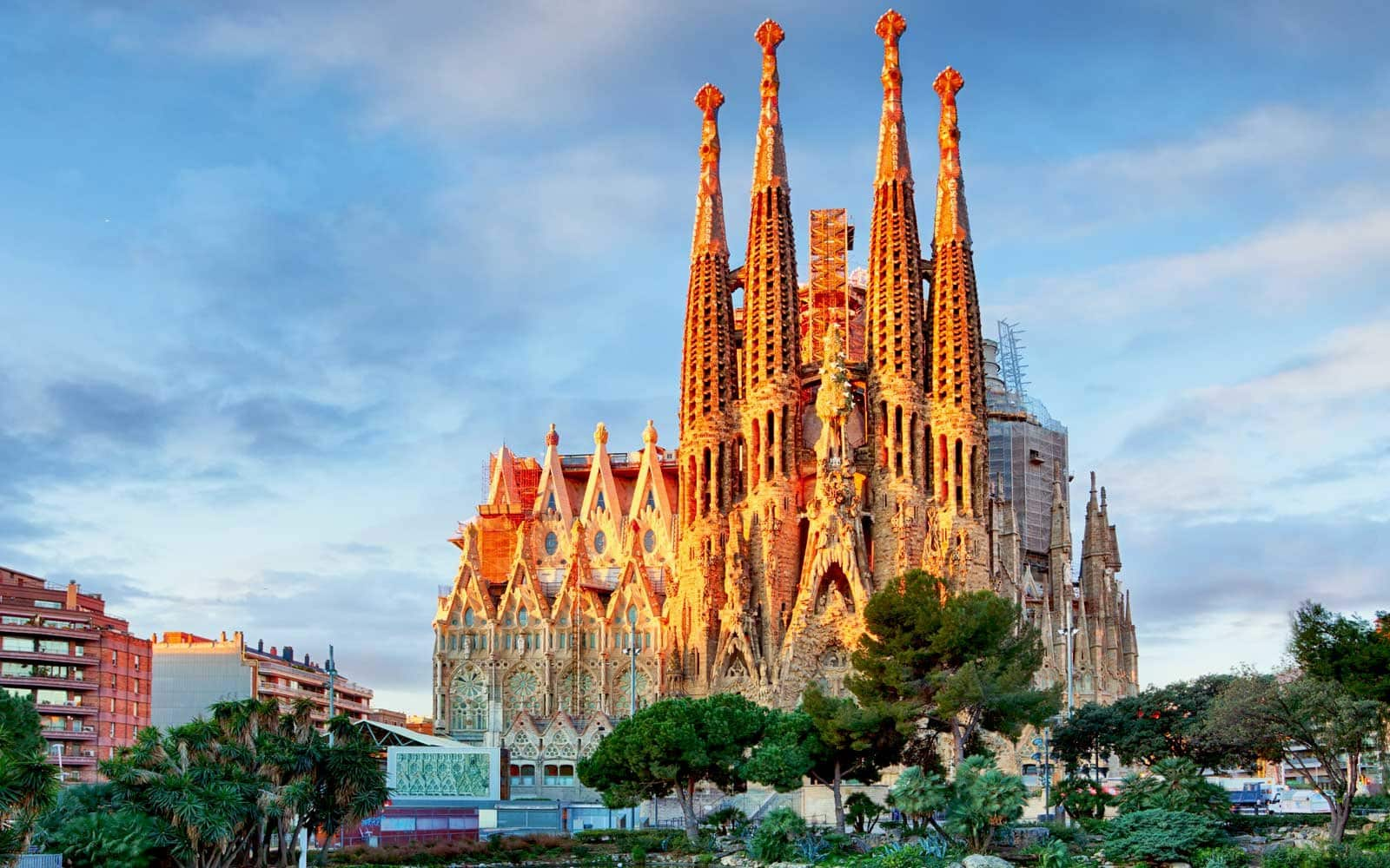 La Sagrada Familia: Tempat Wisata Spanyol