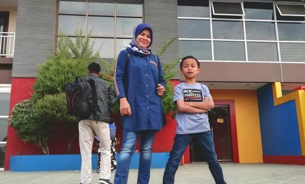 Menikmati Sejuknya Air Di Sanding Waterboom Bandung 3