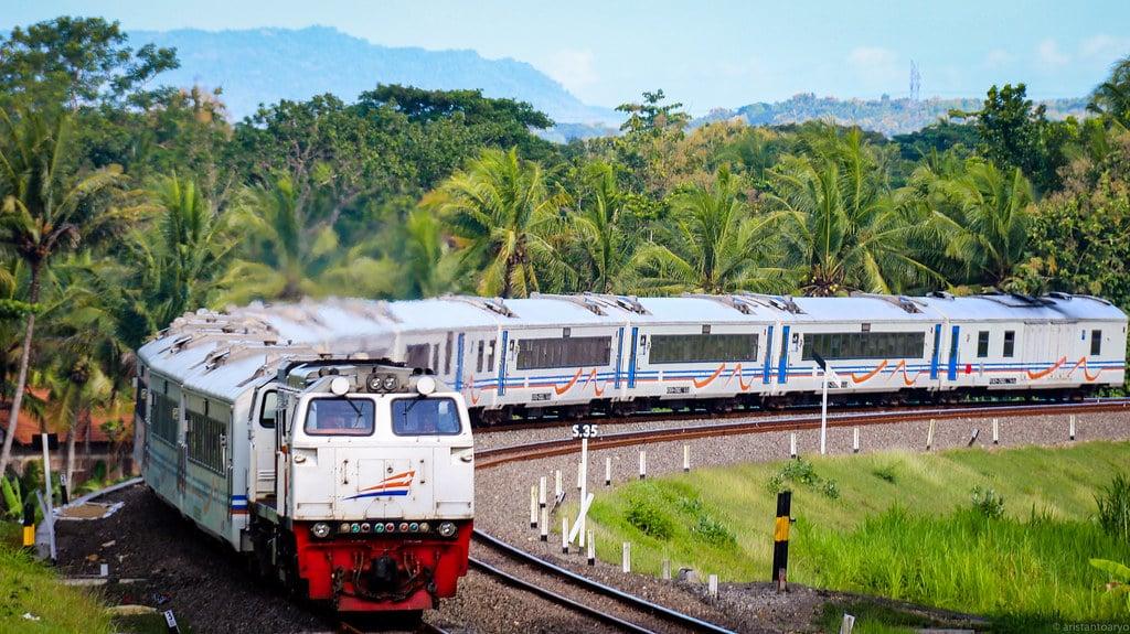Jadwal Kereta Api Argo Dwipangga Fakultatif
