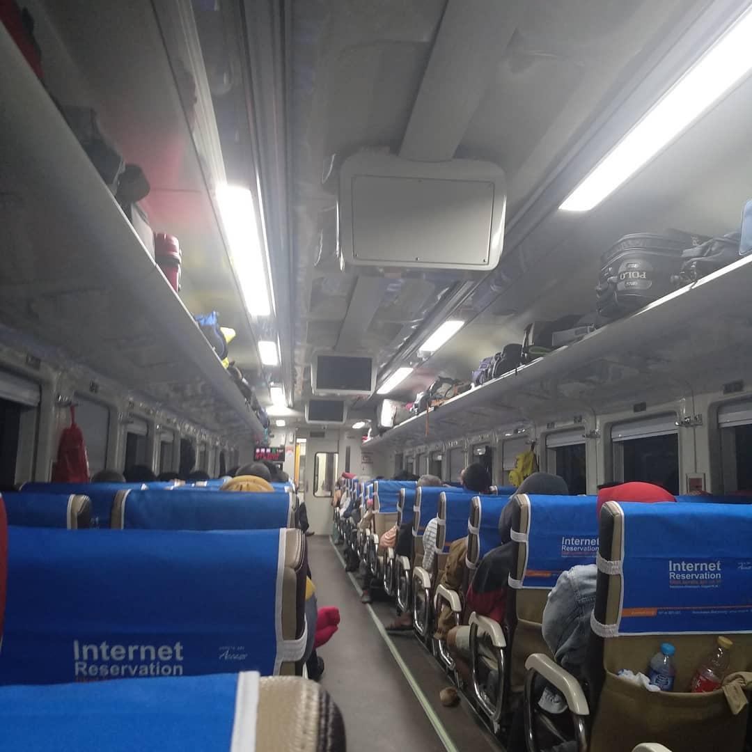 Jadwal Kereta Api Jayakarta Premium