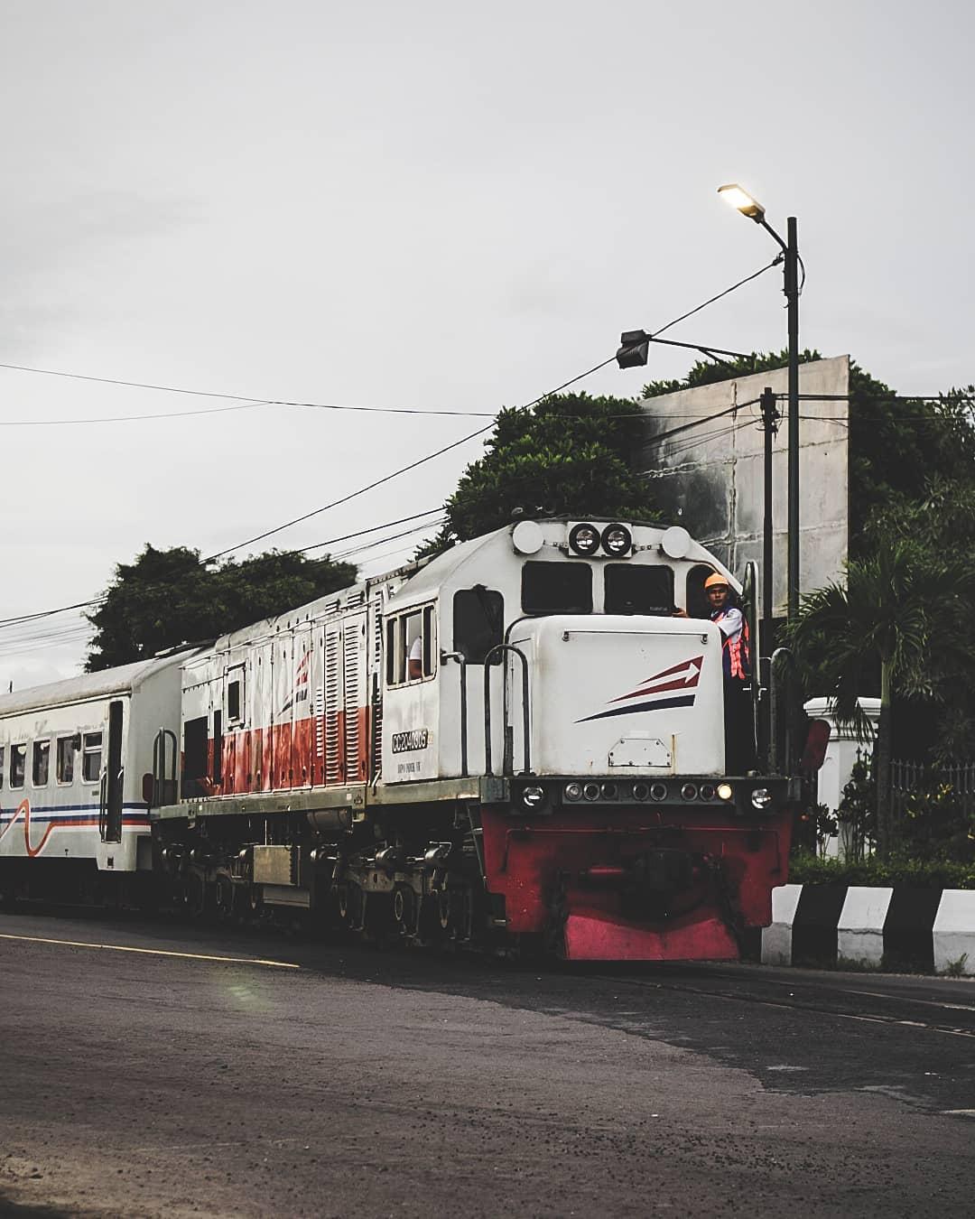 Jadwal Kereta Api Turangga