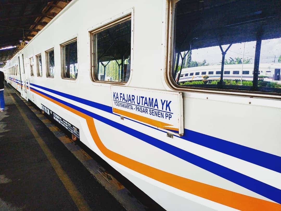 Update Terbaru Jadwal Kereta Api Fajar Utama YK-JKT 1