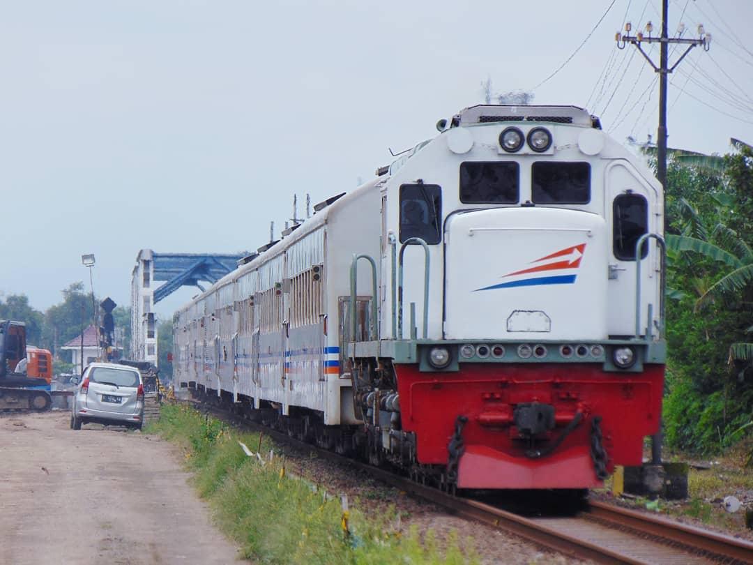 Harga Tiket Dan Jadwal Kereta Api Logawa Jember-Purwokerto 1