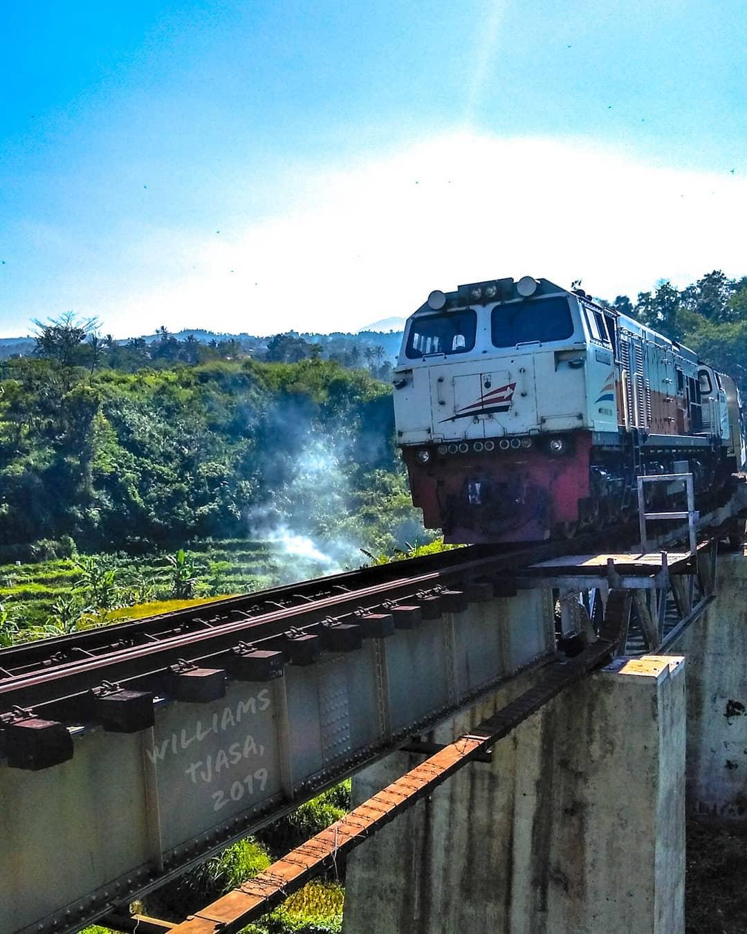 jembatan jadwal kereta api argo parahyangan