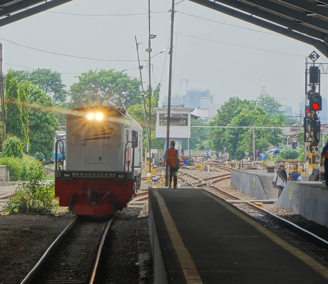 gerbong jadwal kereta api galunggung bandung tasimalaya