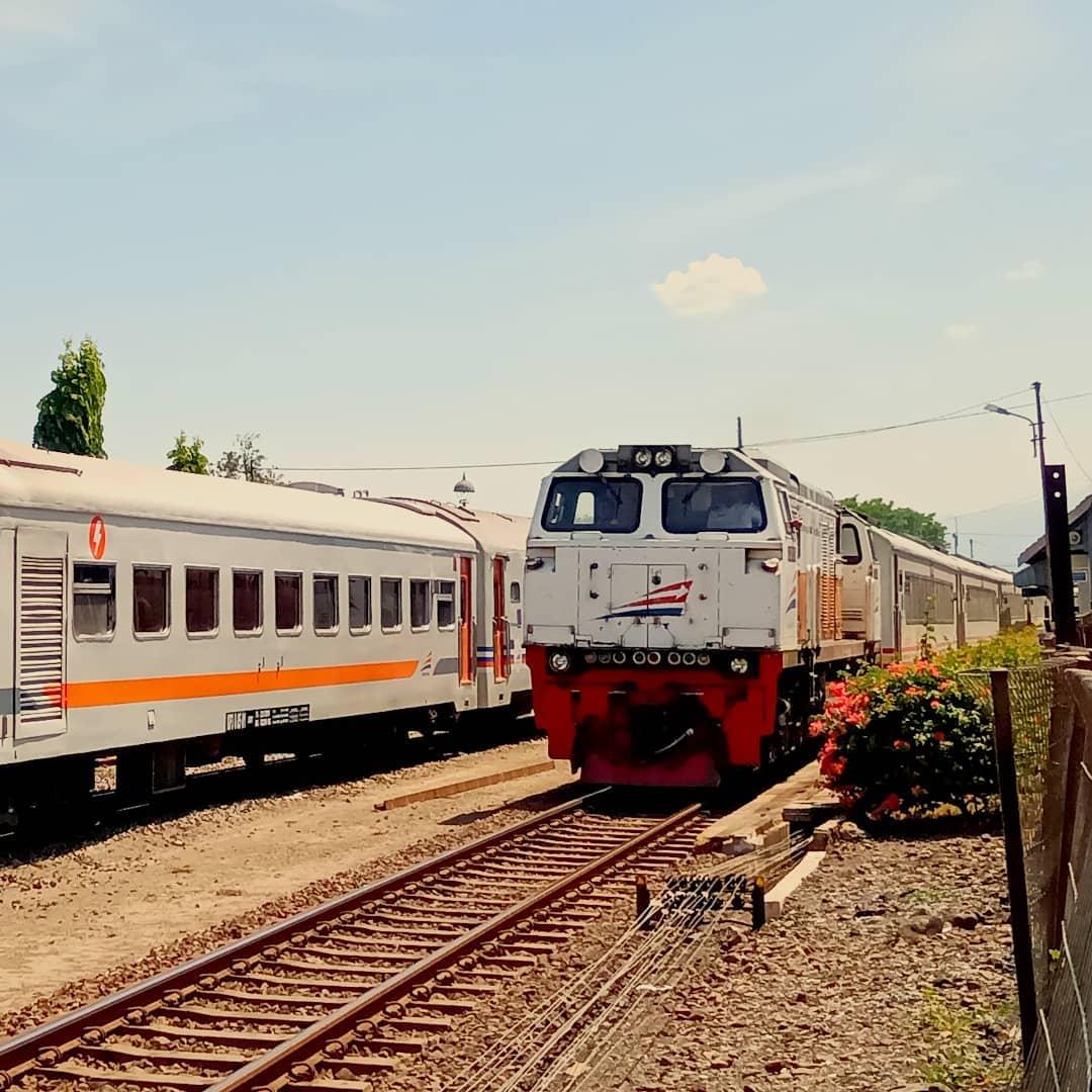 Papasan Jadwal Kereta Api Jayakarta Premium Tambahan