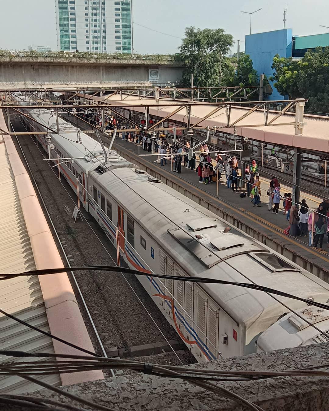 Informasi Jadwal KRL Tanah Abang Jakarta Baru Dan Lengkap 1