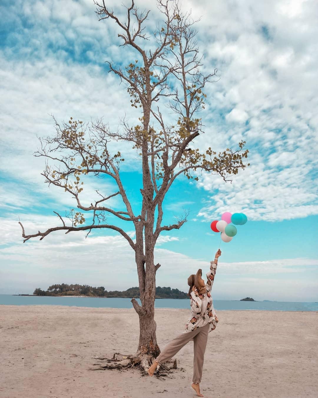 Balon Pantai Elyora