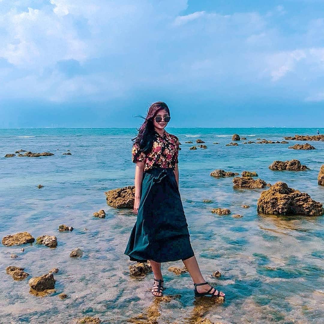Kacamata Pantai Tanjung Pinggir