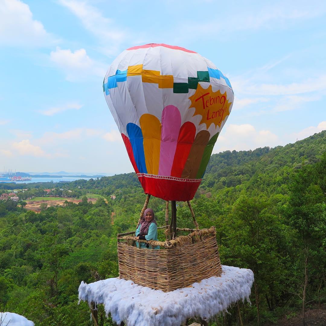Balon Tebing Langit