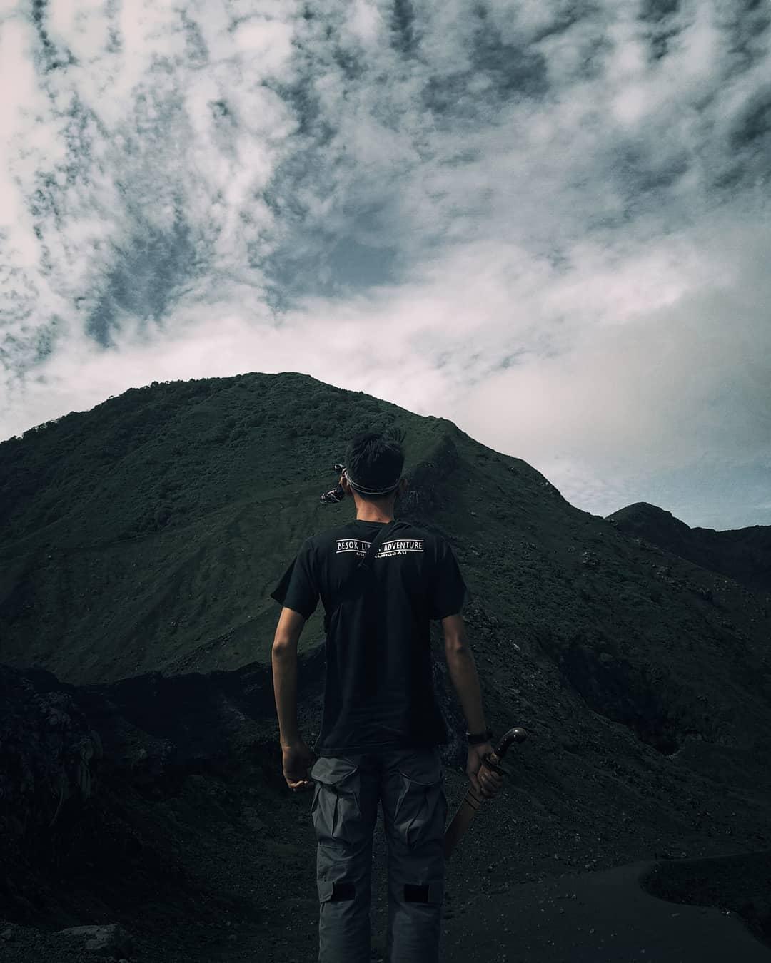 Puncak Gunung Kaba