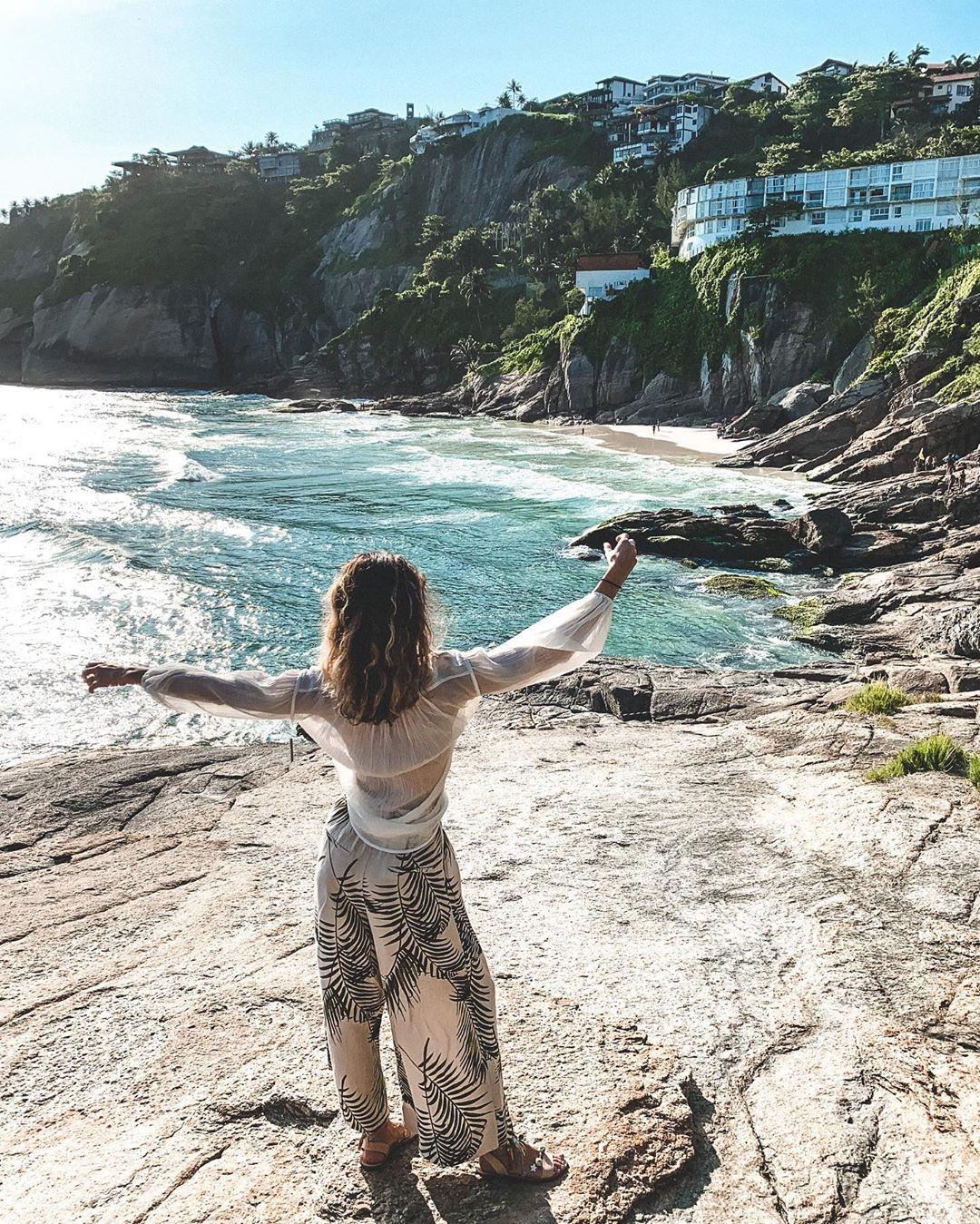 gadis joatinga beach