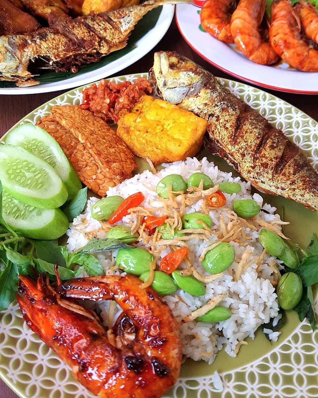 Ikan nasi liwet