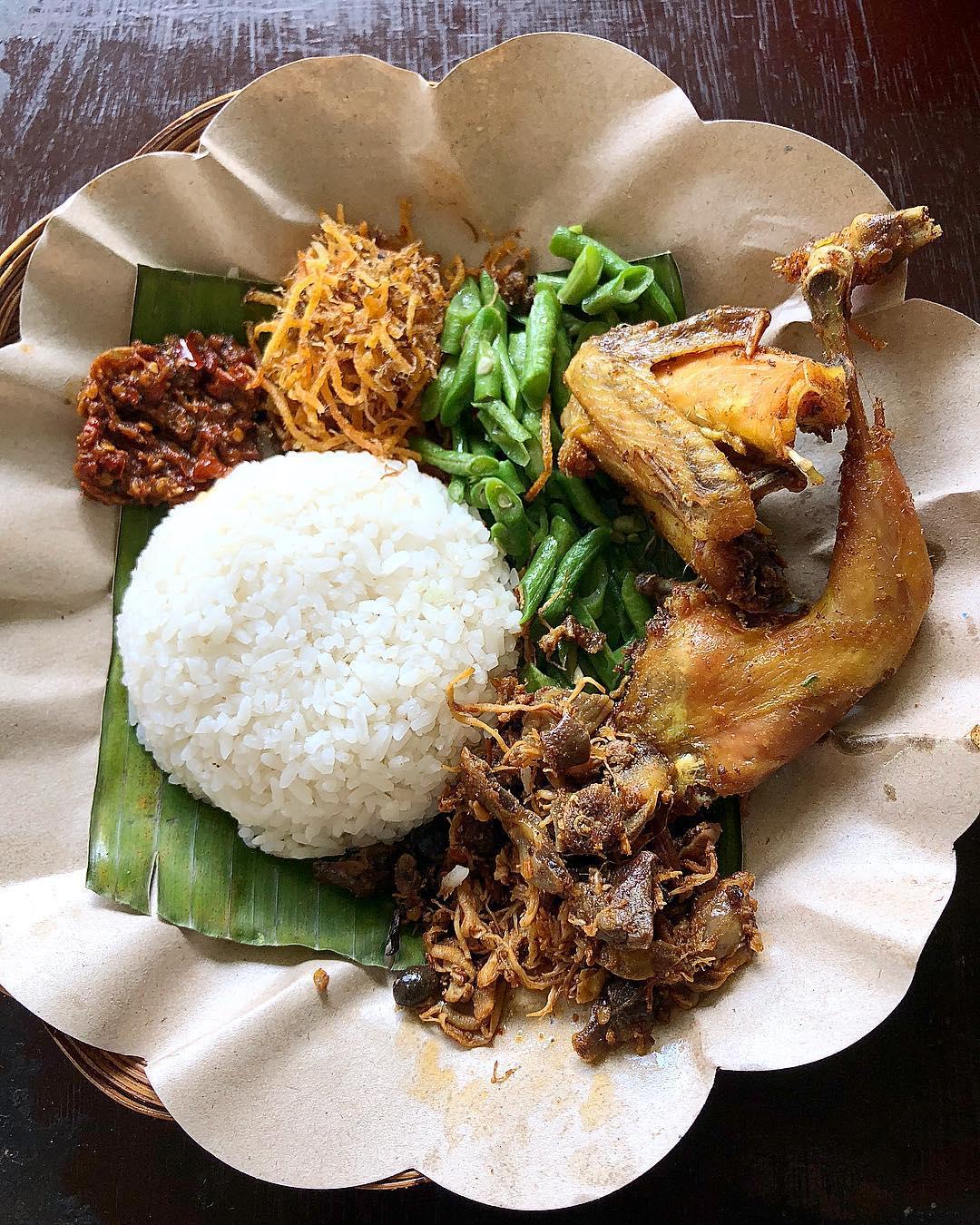 Campur nasi puyung