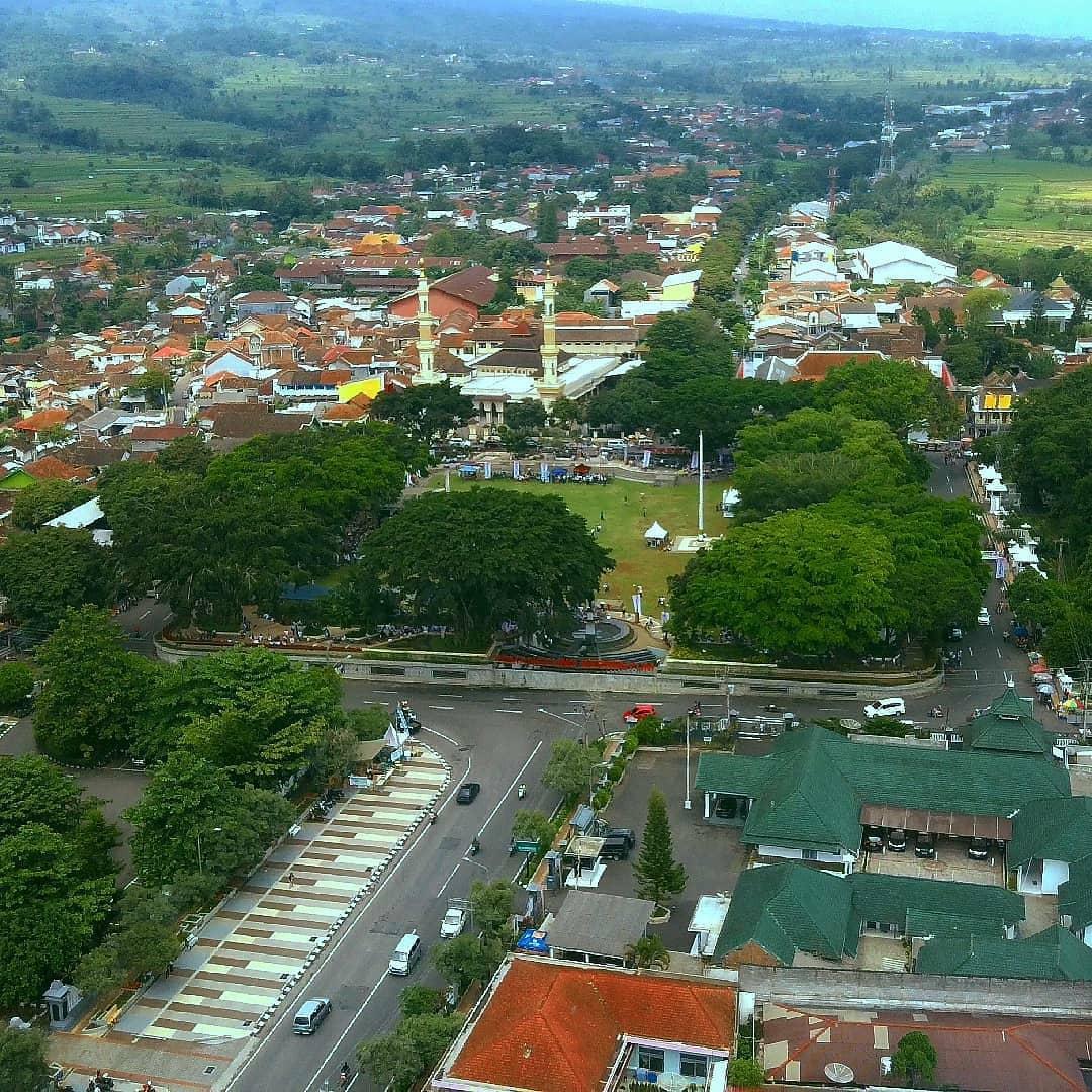 Travel Temanggung Jakarta