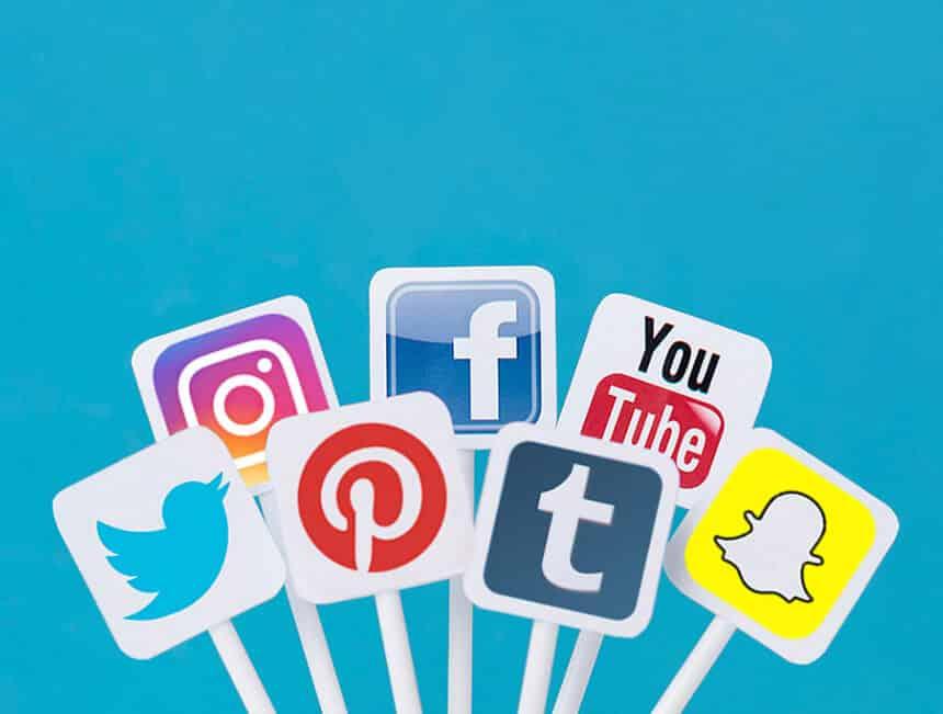 Terhubung-dengan-Media-Sosial