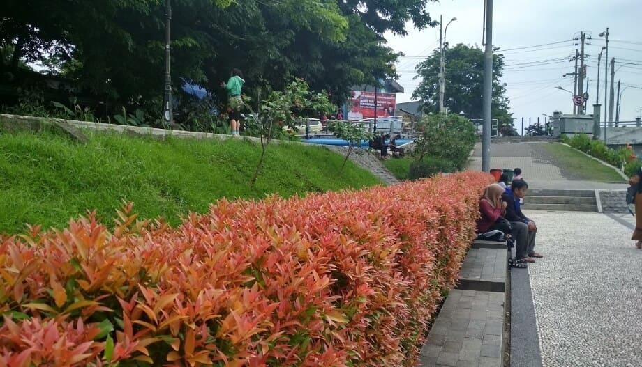 Banjir-Kanal-Barat-Semarang-Bunga