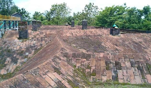 Benteng Van der wijck Atap
