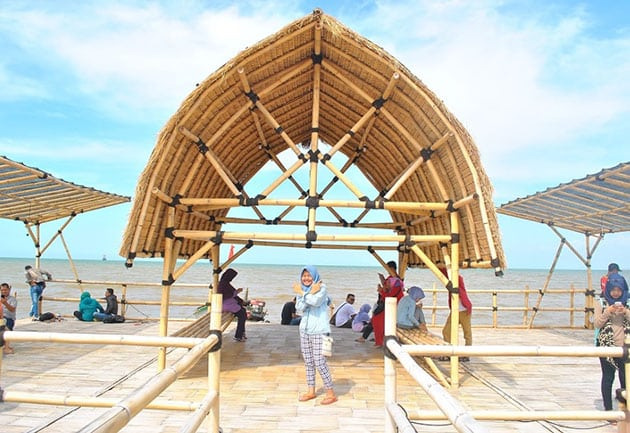Cirebon Waterland Ade Irma Suryani Senyum