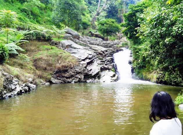 Sejarah dan Misteri Wisata Curug Tilu Leuwi Opat Parongpong Bandung + Tiket Masuk Lokasi 1