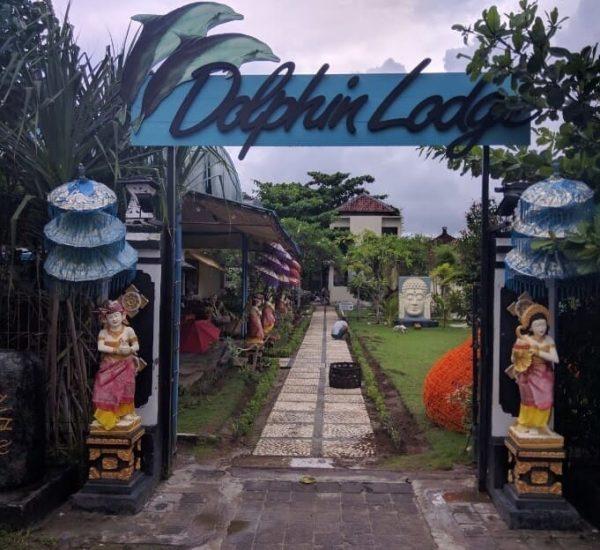 Dolphin-Lodge-Bl