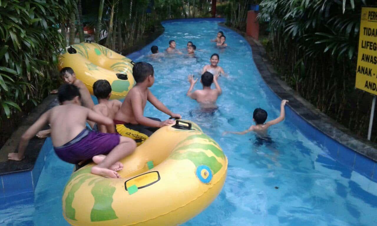 "Kolam Renang Jogja ""Grand Puri Water Park"""