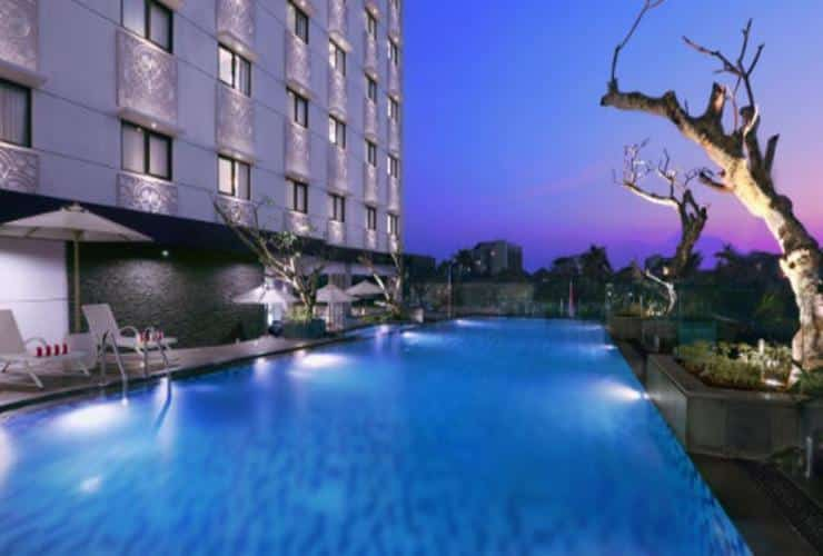 "Kolam Renang Jogja ""Hotel Neo Swimming Pool"""