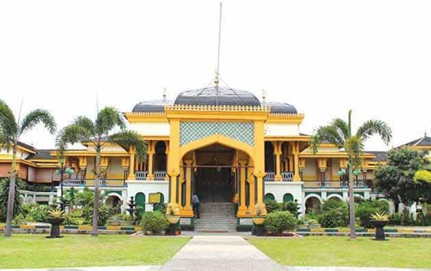 Istana Maimun Medan 1