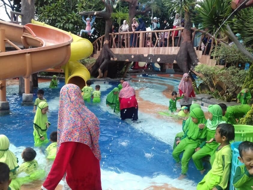 Jungle-Toon-Waterpark-Hijau