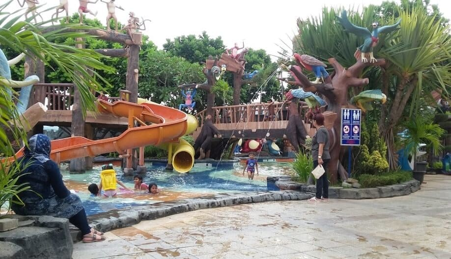 Jungle-Toon-Waterpark-Tegak