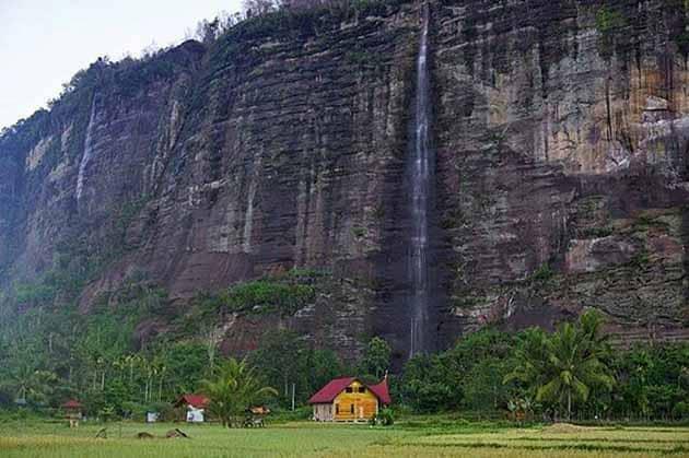 Lembah Harau tebing