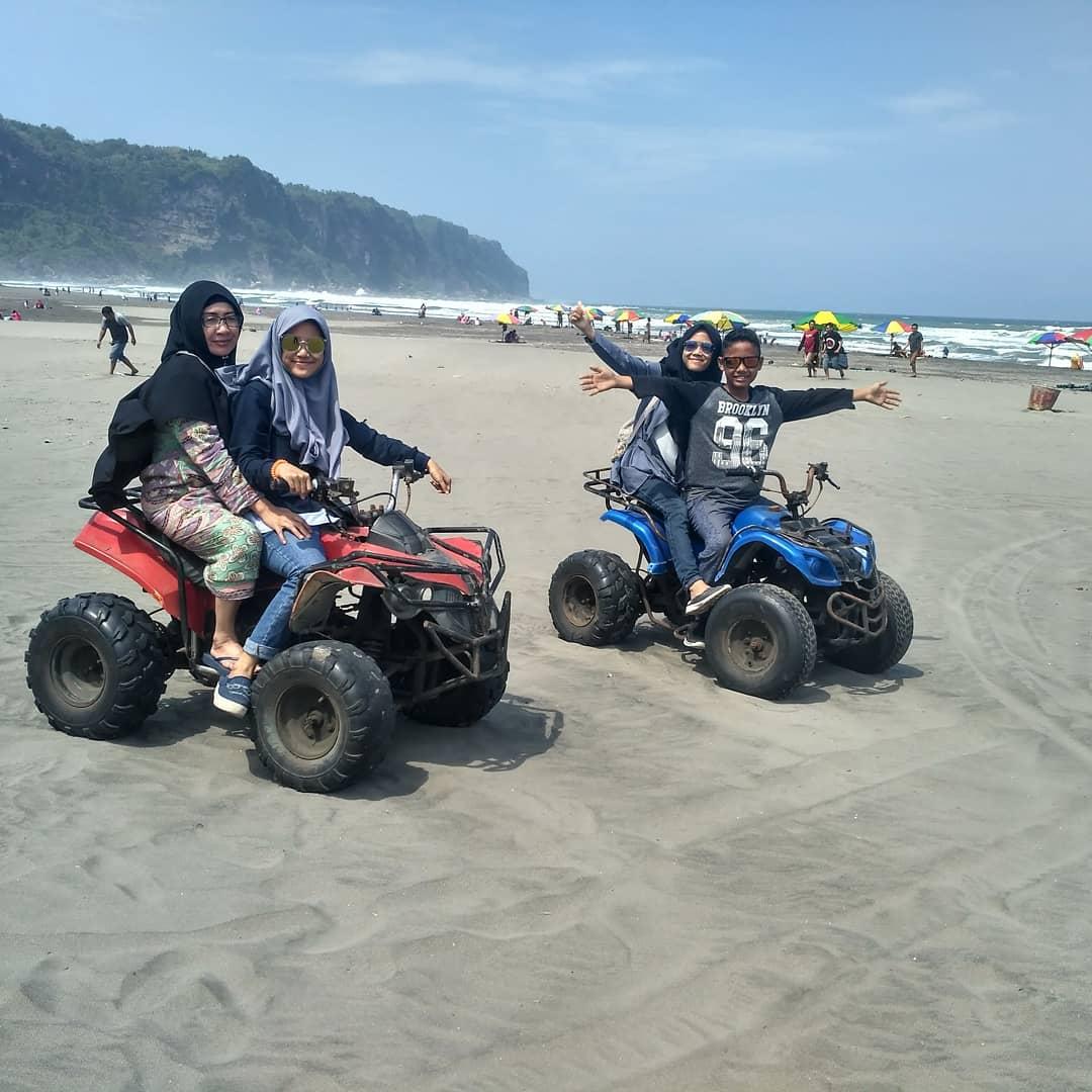 Mainan Motor di Pantai Parangtritis