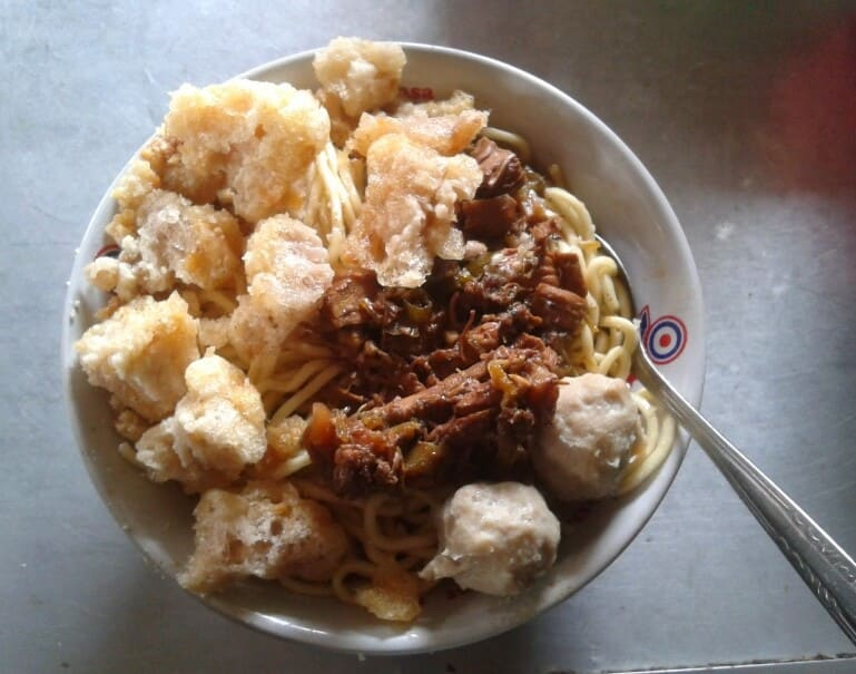 Mie Ayam Sendowo Pak Wiyono by tanpakenali.com