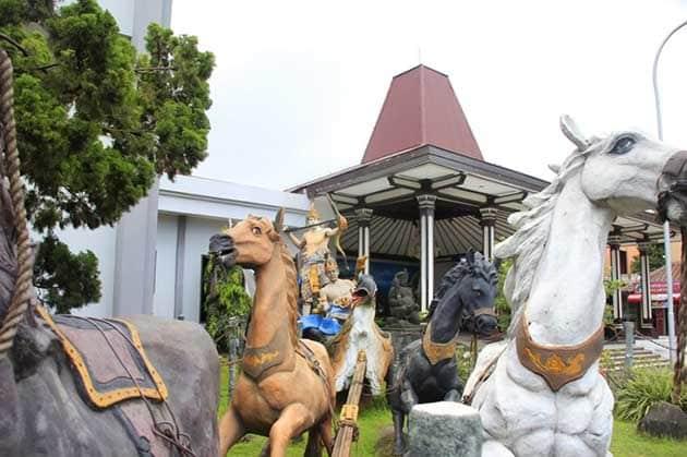 Tiket Masuk dan Jam Buka Museum Ronggowarsito + Koleksi Lengkap 1