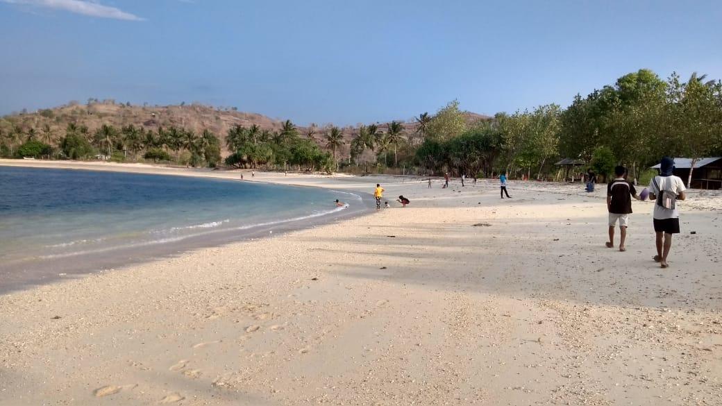 Pantai Elak Elak Lombok 8