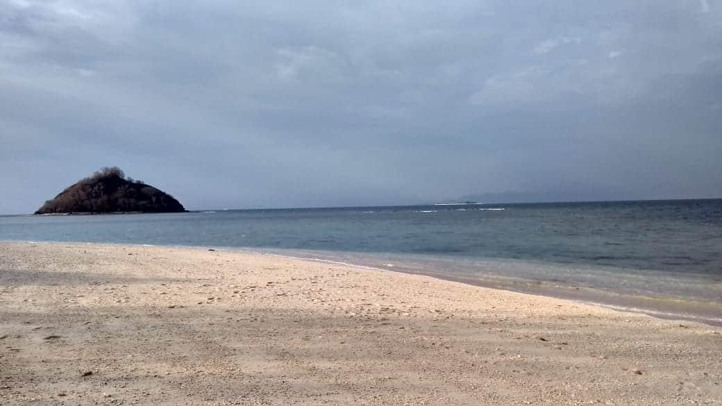 Pantai Elak Elak Lombok 5
