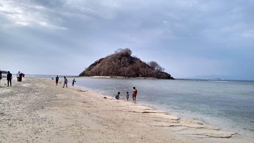 Pantai Elak Elak Lombok 1