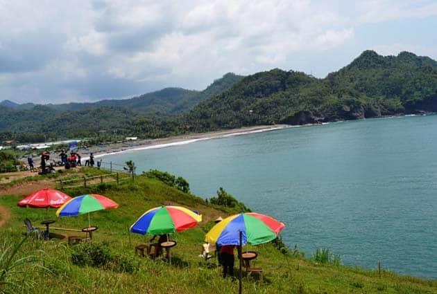 Pantai Lampon Boom