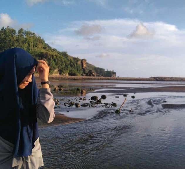 Pantai Logending Ayah Sore