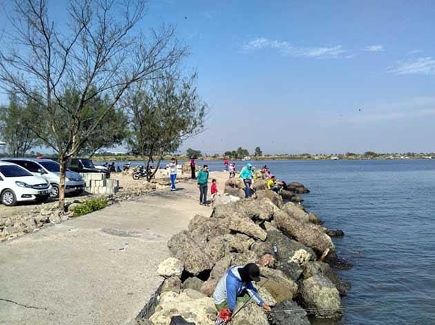 Pantai Marina Ramai