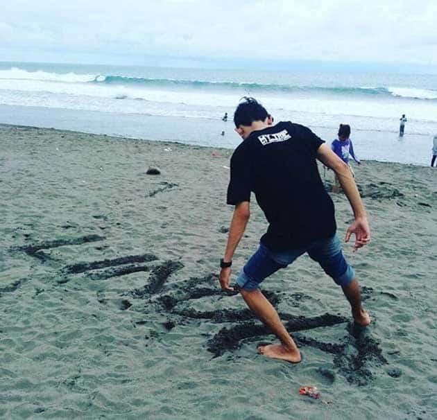 Pantai Pecoran Lanang