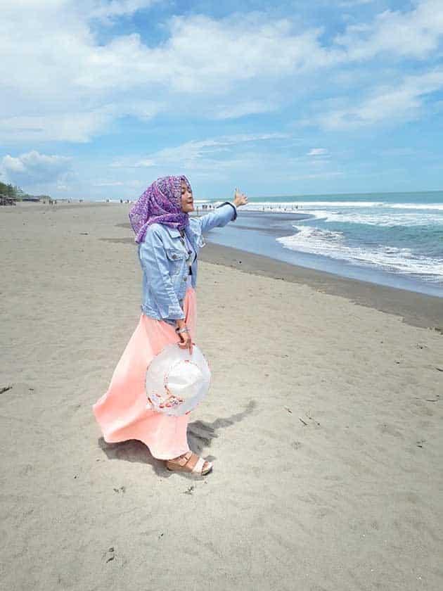 Pantai Petanahan Cewek