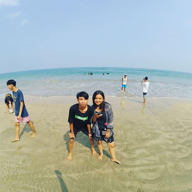 Pantai Sambolo Anyer Melengkung