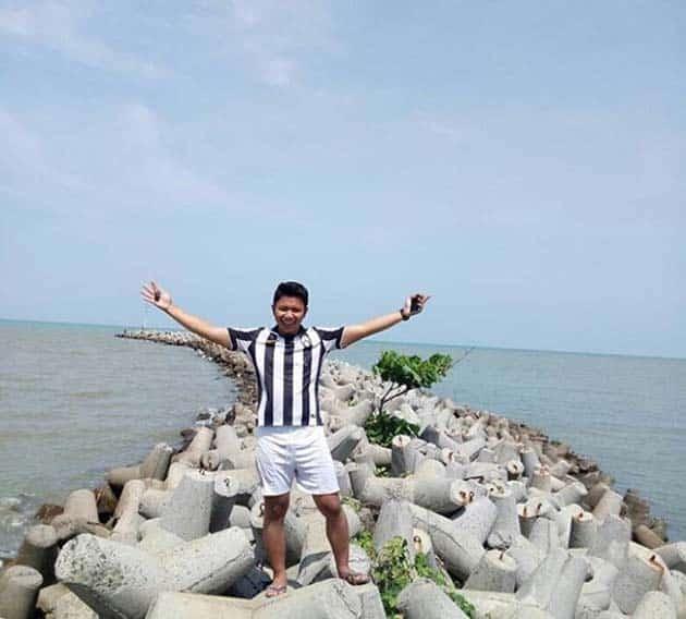 Pantai Tamantirta W
