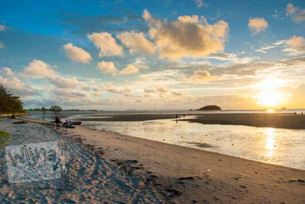 Pantai Tanjung Pendam Tempat Terbaik Melihat Sunset, Peta Lokasi + Tiket Masuk 9