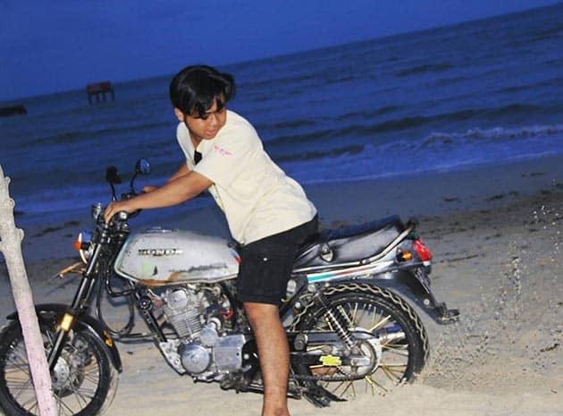 Pantai bandengan malam