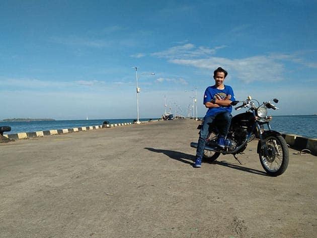 Pantai bandengan motor