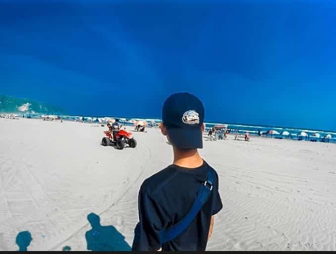 Pemandangan Indah Pantai Parangtritis