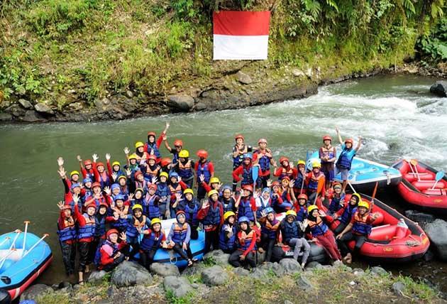 Rainbow Rafting Randudongkal Ramai