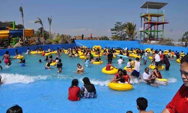 Sangkan Resort Aqua Park Ramai